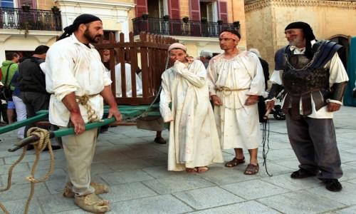 Zdjecie MALTA /  Malta centralna / Mdina / Festiwal Średniowieczny - Transport więźniów