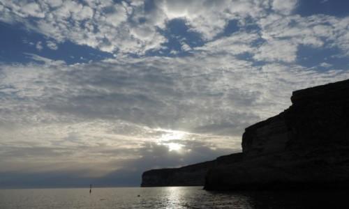 Zdjęcie MALTA / Gozo / Xlendi Bay / Zachód słońca nad Xlendi Bay