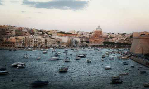 Zdjecie MALTA / morze śródziemne / la Valetta / kanał