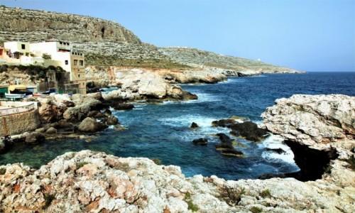 Zdjęcie MALTA / Siġġiewi  / Għar Lapsi / Tajemniczy zakątek