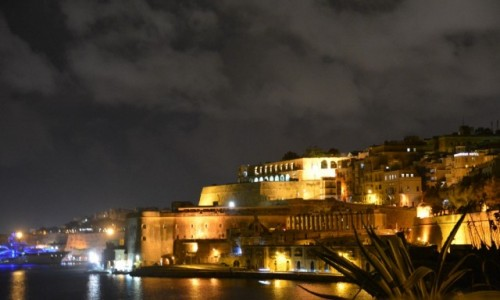 Zdjecie MALTA / Stolica / La Valletta / Światło i chmury