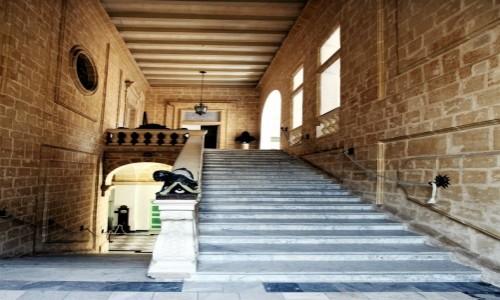 Zdjęcie MALTA / Mdina / Muzeum katedralne  / Schody