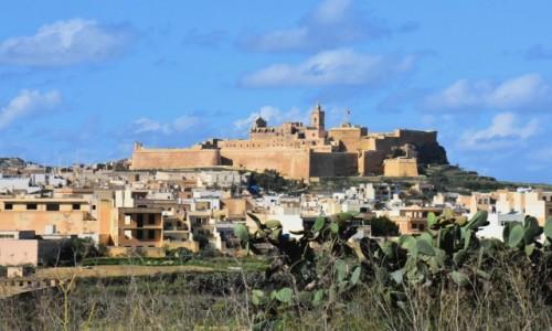 MALTA / wyspa Gozo / Victoria / Widok na Cytadelę