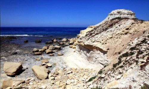 Zdjecie MALTA / Gozo / Żebbuġ / Malownicze osuwisko