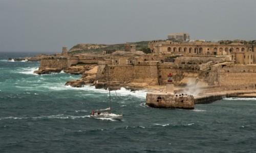Zdjecie MALTA / Malta / La Valletta / Kicha, a nawet dwie ;-)