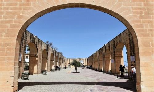 Zdjęcie MALTA / Valletta / Dolne ogrody Barrakka / Taras