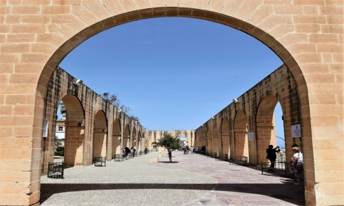 MALTA / Valletta / Dolne ogrody Barrakka / Taras