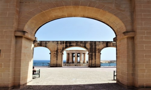 MALTA / Valletta / Dolne ogrody Barrakka / Siege Bell