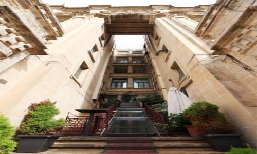 Zdjecie MALTA / Valletta / St. Julian's / Wejście do budynku