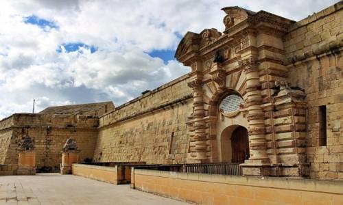 Zdjecie MALTA / - / Fort Manoel/Gżira / Wewnątrz fortu