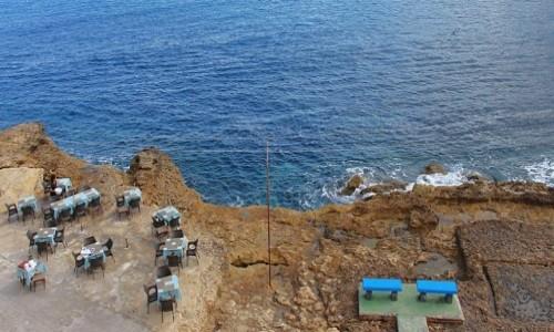 Zdjęcie MALTA / Gozo / Marsalforn / Kawa w kolorze blue