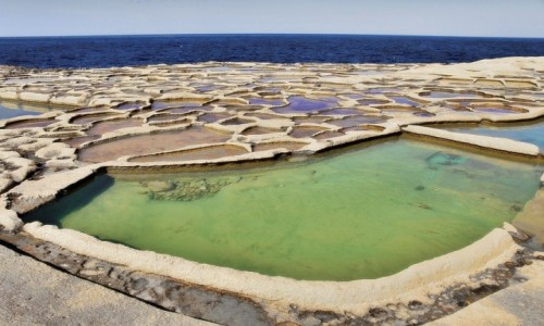 Zdjęcie MALTA / Gozo / w drodze z Marsalforn do Żebbug / Kolory i kształty
