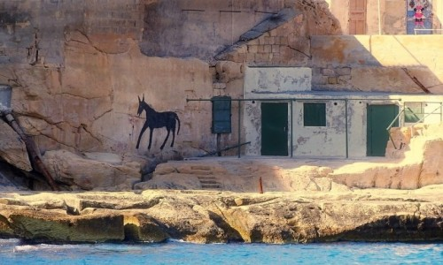 MALTA / ... / Valletta / Zaułek czarnego konia