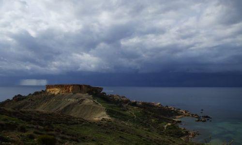 Zdjecie MALTA / Malta / Golden bay / Burza