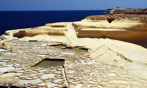 Zdjęcie MALTA / miejsce odzyskiwania soli / ... /