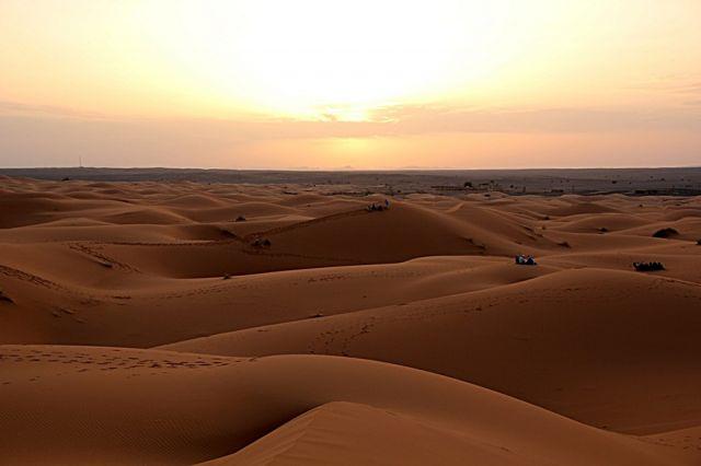 Zdjęcia: okolice Erfoud - Sahara, południowo-wschodni kraniec Tafilant, Przed zachodem słońca., MAROKO