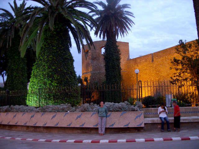 Zdj�cia: asillah, maroko, tam za lini�: marokanka , MAROKO
