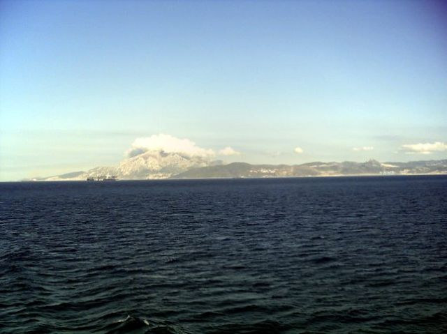 Zdj�cia: w drodze do Tangeru, Europa ju� za nami, MAROKO