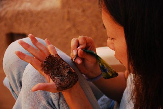 Zdj�cia: Merzouga, Pustynia, Henna, MAROKO