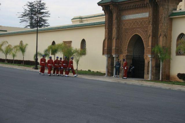 Zdjęcia: Rabat, wybrzeże Maroka, straż królewska w Rabacie, MAROKO