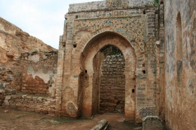 Zdjęcia: Rabat, wybrzeże Maroka, Tyle zostało ze starej uczelni koranicznej , MAROKO
