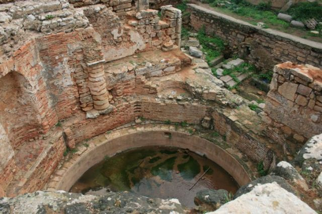 Zdjęcia: Rabat, wybrzeże Maroka, ruiny studni przed ogrodem Sułtana, MAROKO