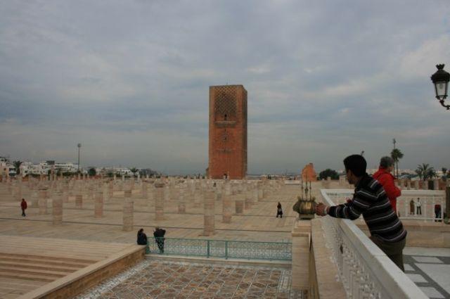Zdjęcia: Rabat, wybrzeże Maroka, pośrodku mauzoleum grobowca , MAROKO
