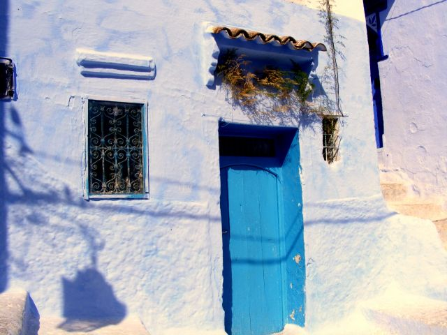 Zdjęcia: uliczka, Chefchouan, fajne drzwi, MAROKO