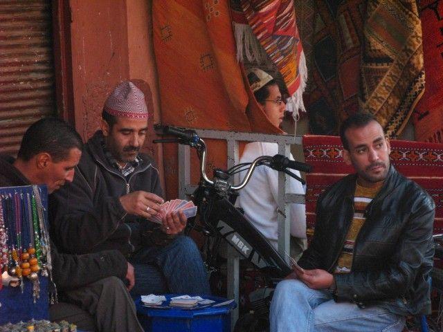 Zdjęcia: Marrakesz, Ciężka praca w środku dnia, MAROKO