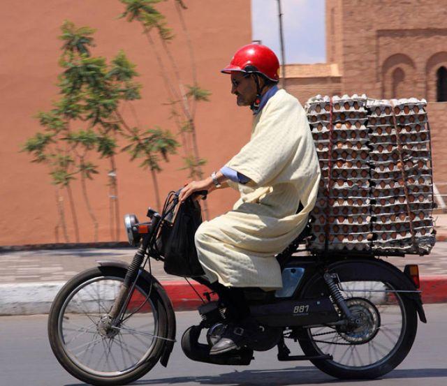 Zdjęcia: Marrakesz, Marrakesz, Dostawca jaj, MAROKO