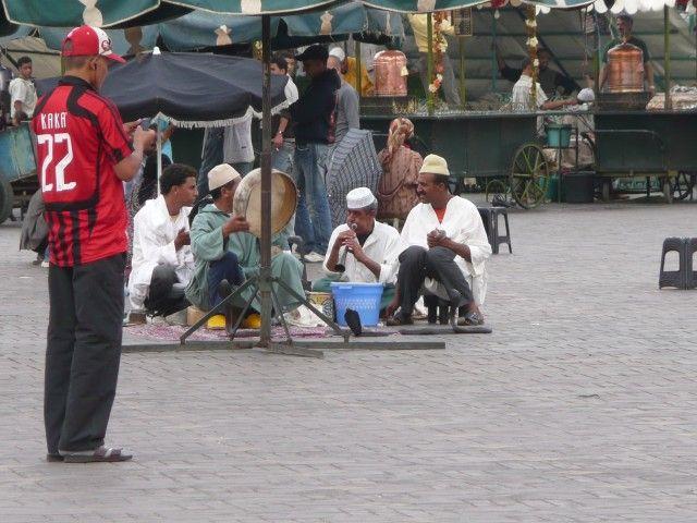 Zdjęcia: Dżemaa el-Fna, Marrakesz, Zaklinacze węży, MAROKO