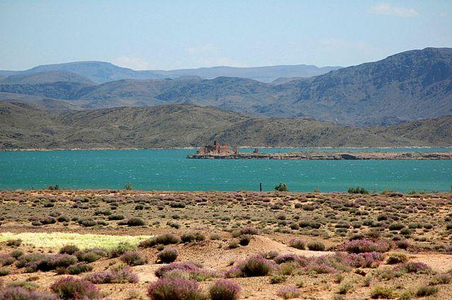 Zdjęcia: gdzies przy drodze, okolice Warzazat, turkusowe jeziorko, MAROKO