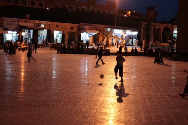 Zdj�cia: Ouarzazate, Ouarzazate, Plac w Ouarzazate, MAROKO