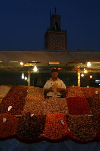Zdjęcia: Dzemaa El Fna, Marakesz, Wieczorem na bazarze, MAROKO