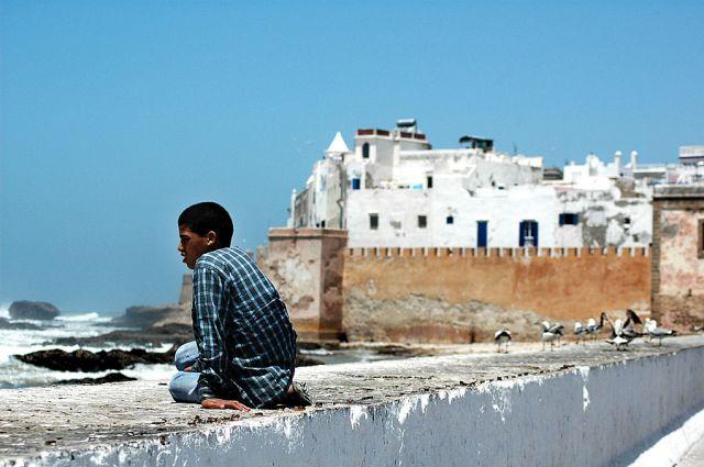 Zdjęcia: Essauira, nad Oceanem, chłopak, MAROKO