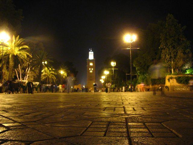 Zdj�cia: Marakesz, Meczet Kutubijja noc�, MAROKO