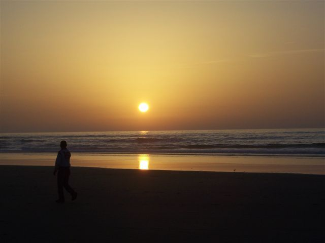 Zdjęcia: Asilah, zachód słońca nad oceanem, MAROKO