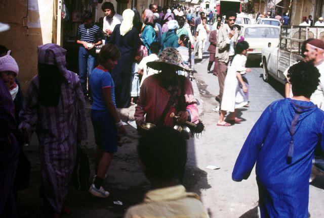 Zdjęcia: FEZ, centrum, sprzedawca wody, MAROKO