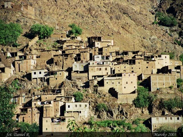 Zdjęcia: Okolice Jaebala Toubkala, Atlas Wysoki, Wioska Berberów w Atlasie, MAROKO