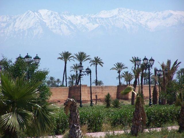 Zdjęcia: Marrakesz, Marrakesz leży blisko gór Atlas, MAROKO