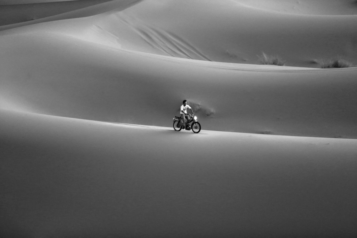 Zdjęcia: Erg Chebbi, Merzouga, Motorbike, MAROKO