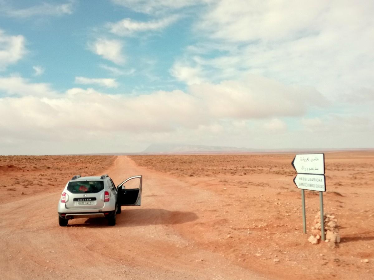 Zdjęcia: Maroko wschodnie, Maroko wschodnie, To cud że czasem są znaki, droga za to po godzinie przestała być rozpoznawalna, MAROKO