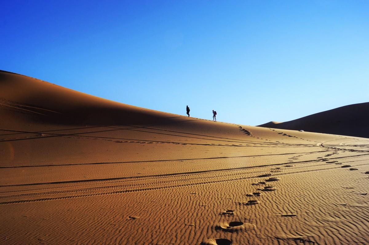 Zdjęcia: erg chebbi, sahara, piach w butach , MAROKO