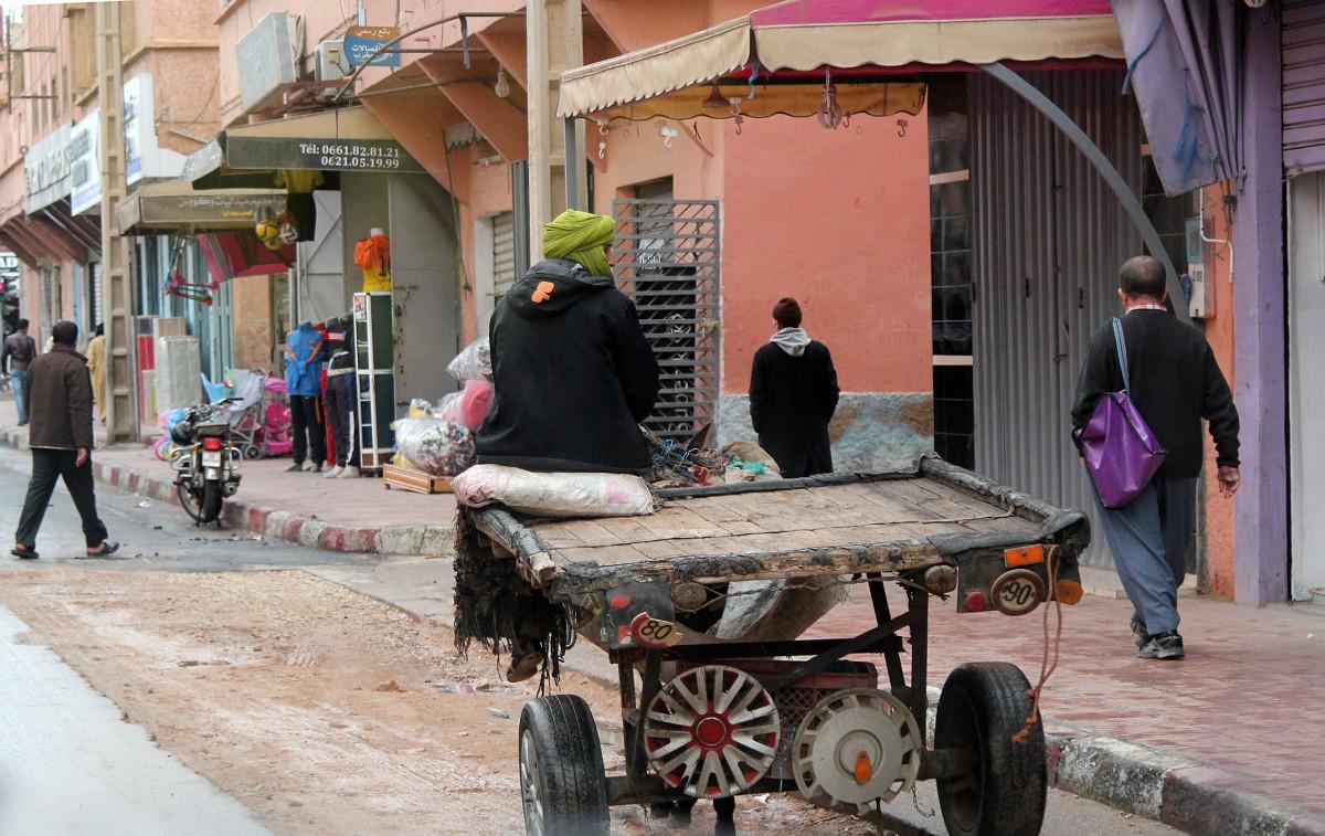 Zdjęcia: gdzieś po drodze, Maroko, Ogranicznik prędkości, MAROKO