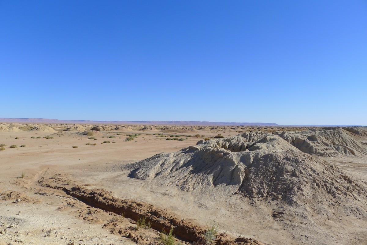 Zdjęcia: W drodze z Erfoud do Tinghir, Poł. - wschodnie  Maroko, Wielki kopiec kreta, MAROKO