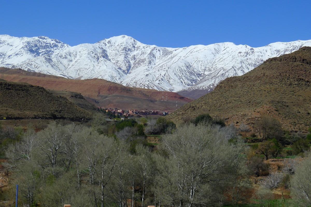 Zdjęcia: Pod drodze przez Atlas , Góry Atlas w Maroko, Śniegi Atlasu Wysokiego, MAROKO