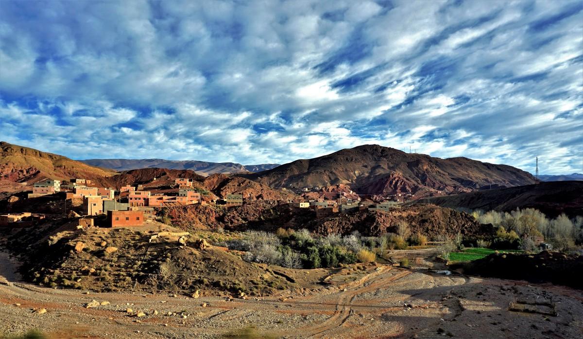 Zdjęcia: okolice Thingir, południowe podnóże Atlasu Wysokiego, Kolory Maroka, MAROKO
