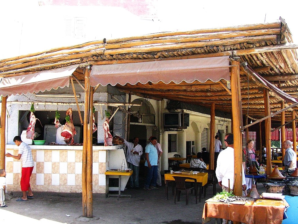 Zdjęcia: gdzieś na trasie, trasa Fez - Marrakesz, przydrożny bar, MAROKO