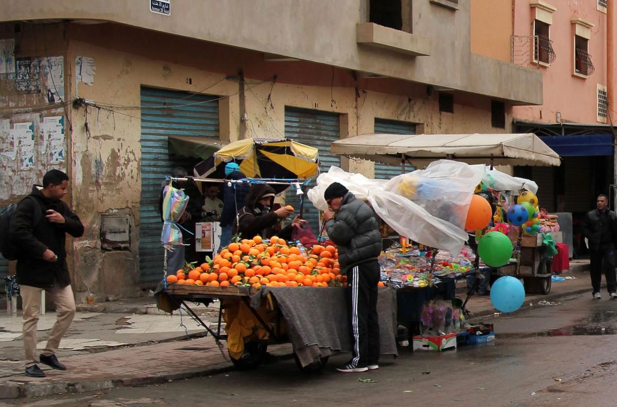 Zdjęcia: gdzieś po drodze, Maroko, Słodkie,soczyste pomarańcze w deszczowy dzień, MAROKO