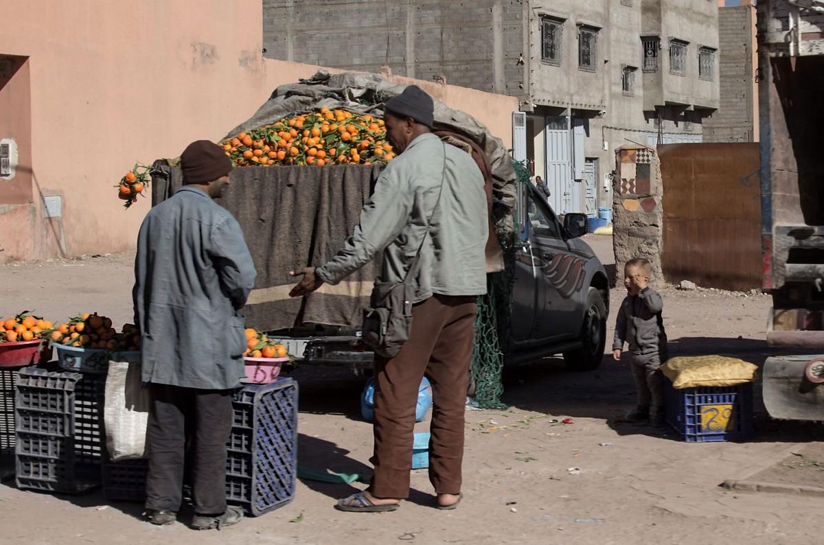 Zdjęcia: gdzieś po drodze, Dara-Tafilalt, Nuda na targu, MAROKO